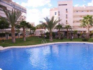 Appartement au centre d'Albir, terrasse, piscine, jardin, calme, proche plage