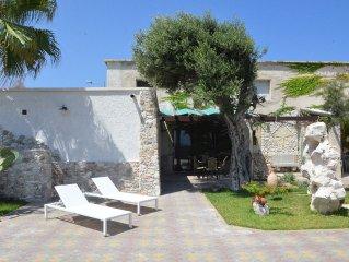 Roca Vecchia: Villa sul mare, con giardino e veranda!