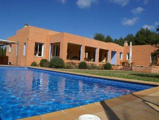 Villa, Rustic Area,10 Km From Different Beaches,promenades And Ports