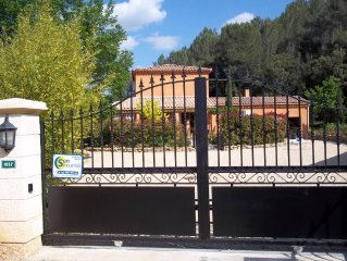 Apartment/ flat in a house - 50 m² - closed garden - swimming pool - Carces