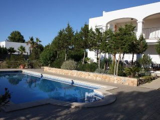 ET-0301-E   Villa With Private Pool, BBQ Area,  Wifi, Air-conditioning.