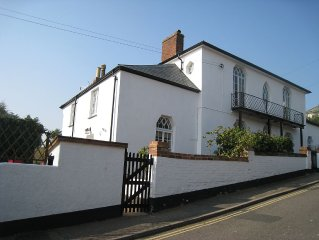 Just A Couple Of Minutes Walk From The Beach And All Town Amenities
