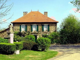 Elegant Gascony Villa  heated  pool in secluded gardens~Ideal Family holiday~