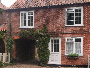 Traditional Norfolk Cottage Suitable For All Year Round Use