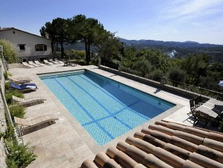 Luxury villa with large pool on a fabulous location with great views