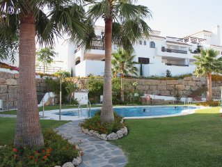 Luxury family-friendly equipped apartment; 130m2; golf & beach lovers;British TV