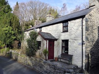 Bron Meirion 4 Star Stone Built Cottage