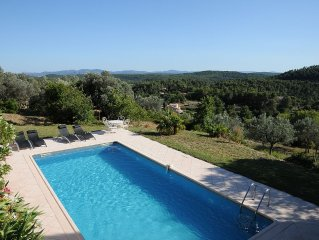 Provencal house (charming villa + pool + pool-house) quiet with panoramic views