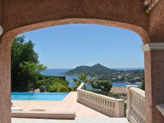 Provencaalse familie Villa aan de Cote d'Azur met prachtig uitzicht op zee.