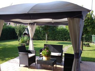 Bellissimo appartamento con giardino a poca distanza dal lago di Garda