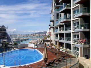Front line Marina, with with bars, restaurants, casinos all walking distance