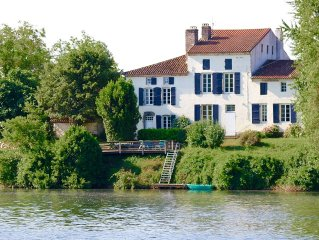 Beautiful 18th century self-catering cottages on the banks of the river Lot