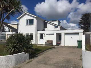 Cae Cloc  - Dog friendly house in central location 2 mins walk to beach