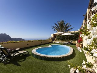 Rural Villa Furnished To High Spec, Solar Heated Pool, Jacuzzi, Fantastic Views