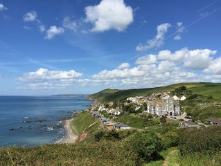 Stunning Sea Views, Beaches and Coastal Walking for The Ideal Family Holiday