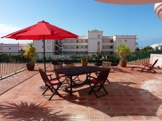 Spacious apartment. Huge balcony overlooking pools & gardens. Free WiFi. 3071/AL