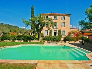 Le Petit Chateau, Private pool, Large Gated Gardens