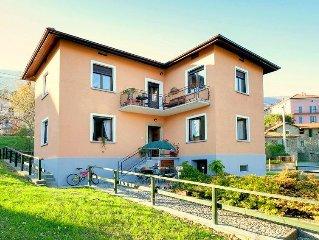 Casa indipendente  con giardino privato e vista lago di Como, Wi-Fi gratuito