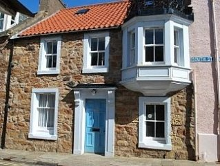 Modernised Period Cottage Close To Sandy Beach - Sunny Enclosed Patio Garden