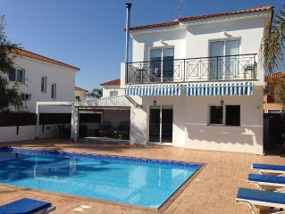 Luxury 3 Bed Villa With Large Private Pool & FREE WIFI