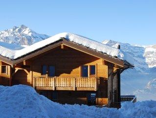4 Valleys Winter & Summer Luxury Chalet, Jacuzzi, Sauna, Stunning Views, nr spa