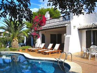 Lovely Villa Sleeps 8-Private Pool, WiFi, Wonderful Holiday By The Sea
