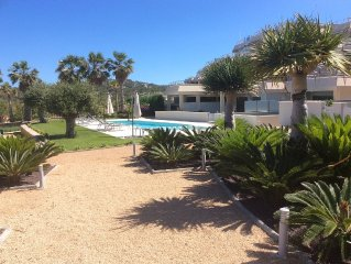Stylish new 2bed garden apartment, pool, sea/suns