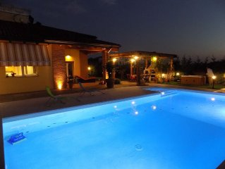 Villa in Parma for 10 person with swimming pool & Spa.