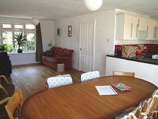 4 Bedroom Bungalow In Perranporth (dog friendly)