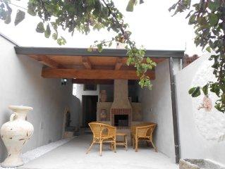 Ampia Casa a 2 km dalle slendide spiagge del Sinis con ZONA BIMBI in cortile