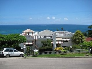 Penthouse Apartment With Magnificent Sea Views. Minutes from the beach.