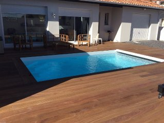 House with pool 2 km from the ocean, quality service for 6 people