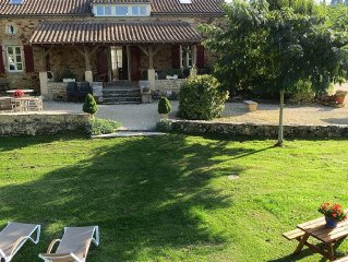 luxury villa with private heated pool, tennis court and sauna, 4 ch. 3 bathrooms