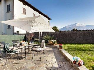 Casa indipendente con giardino privato a 10 minuti  Lago di Como Wi-Fi Gratis