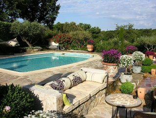 Villa With Private Pool Close To A Lively Provencal Village