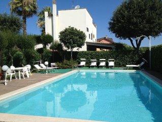 Lussuosa villa con piscina, a due passi dalla spiaggia e vicino a Roma