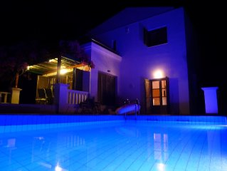 Detached villa, private pool , sea view.Nr Lindos  WI-FI