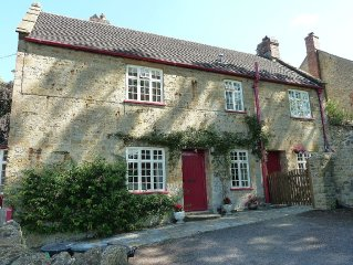Albert Cottage: Beaminster, Dorset. Charming rustic 2 bedroom cottage, sleeps 5