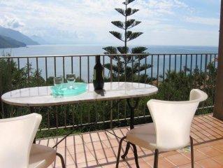 A casa sul mar Tirreno, cercando Ulisse / Living on Tyrrhenian Sea looking for O