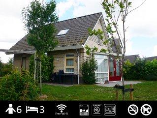 Kindvriendelijk vakantiehuis 'Den Breeck' met Wifi, aan het water met hek