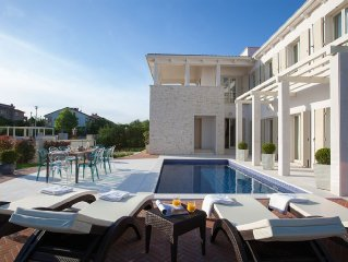 Luxury Villa With Swimming Pool  Near Poreč