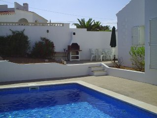 VILLA WITH PRIVATE POOL, BBQ AREA AND SEA VIEW