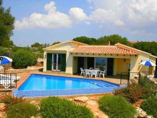 Preciosa villa con fantasticas vistas de la playa de Son bou y zona infantil