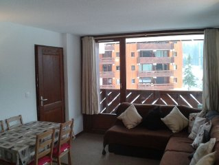Modern apartment with three genuine bedrooms within 2 mins walk of the main lift