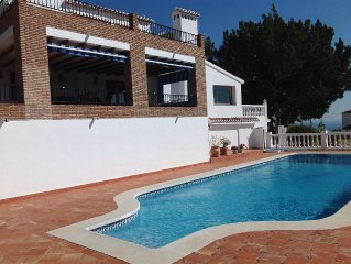 Beautiful 5 bedroom villa with 17 metre pool and stunning views