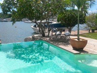 Villa d'exception accès mer ponton privé piscine position centrale Guadeloupe