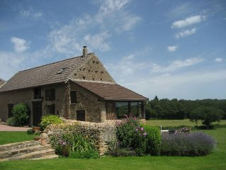 Pretty Traditional Stone Built Cottage with Access to Small  Pool.