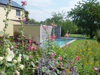 Bonlez: Gite de charme avec piscine a 10 minutes de Louvain-la-Neuve, a mi-chemi