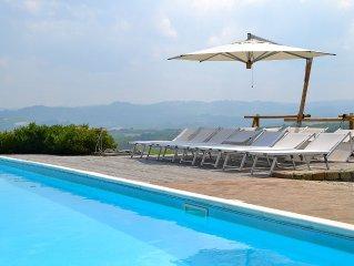 Villa privata con piscina nel cuore delle langhe. Verduno