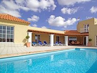 Lajares Villa With Private Tennis Court And Private Pool close to village